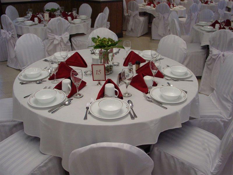 Những cách sắp xếp bàn tiệc cho các bữa tiệc