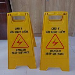 Biển báo chú ý nguy hiểm VS64B04