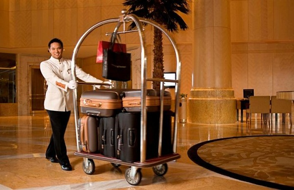 Tác dụng của xe đẩy hành lý khách sạn