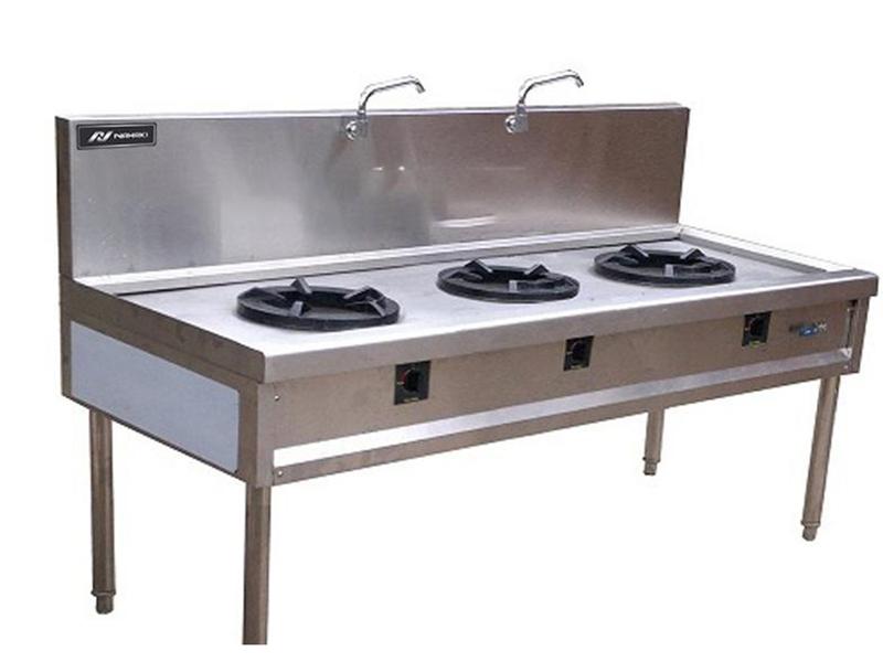 Nên lựa chọn bếp Á phù hợp với không gian diện tích khách sạn, nhà hàng của bạn