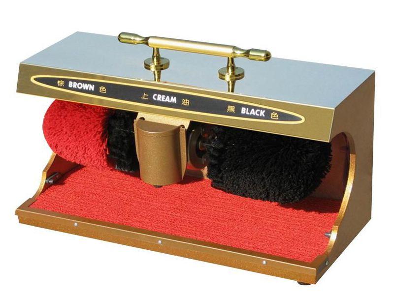 Máy đánh giày được đặt ở sảnh mang lại sự tiện nghi cho khách hàng