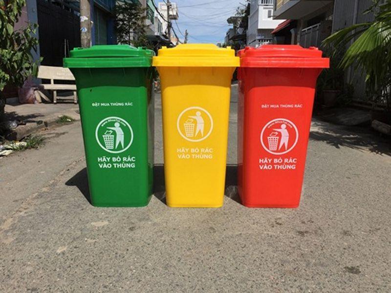 Nhựa HDPE có tính dẻo nên thùng rác công nghiệp được làm từ chất liệu này thường có khả năng chịu lực tốt