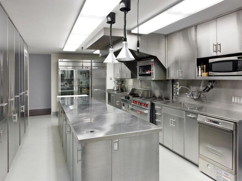 Tủ lạnh, tủ đông,… không thể thiếu trong khu vực nhà bếp