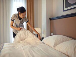 Vệ sinh giường phụ khách sạn đúng cách giúp tăng tuổi thọ thiết bị