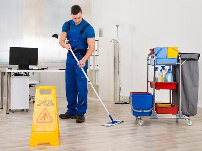 Xe dọn vệ sinh – Sản phẩm không thể thiếu trong mỗi khách sạn, khu nghỉ dưỡng