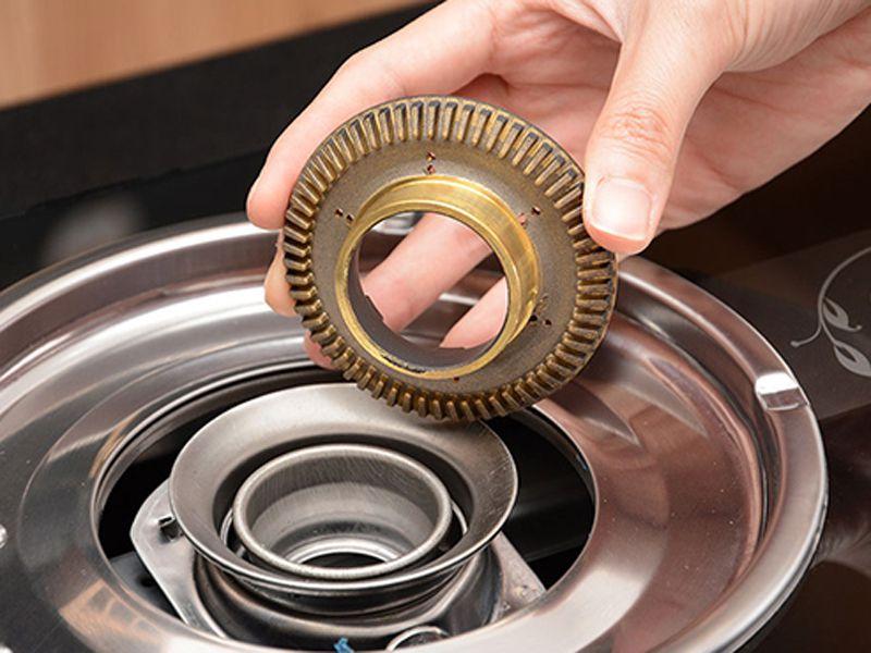 Bếp khè cần được vệ sinh đúng cách để đảm bảo độ an toàn trong quá trình sử dụng