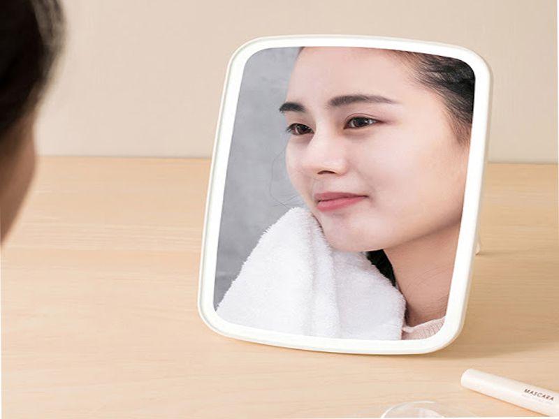 Nên chọn chiều cao của gương phù hợp với tổng thể khuôn mặt của bạn