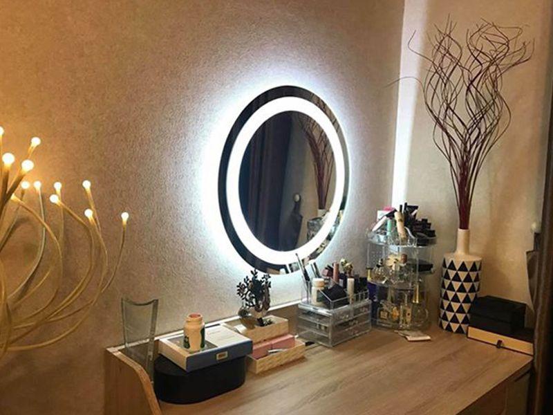 Gương trang bị thêm đèn là sự chọn lựa phù hợp dành cho bạn