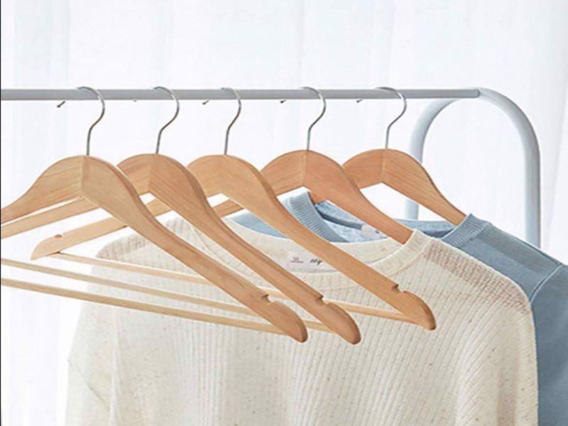 Móc treo quần áo giúp không gian phòng ốc của bạn trở nên gọn gàng hơn