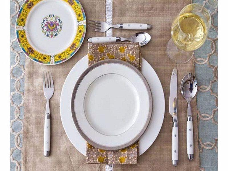 Cách sắp xếp vật dụng trên bàn ăn kiểu Âu