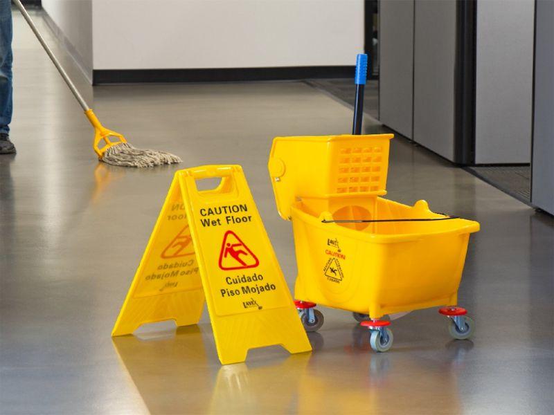 Xe vắt nước cây lau nhà thường được sử dụng ở khu vực có diện tích sàn rộng