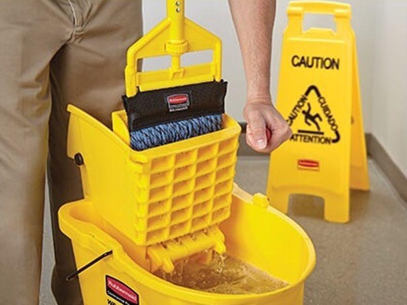 Xe vắt nước giúp người dùng tiết kiệm thời gian, sức lực hơn trong quá trình vệ sinh
