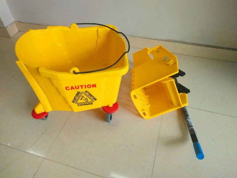 Xe ép nước – Thiết bị vệ sinh chuyên dùng