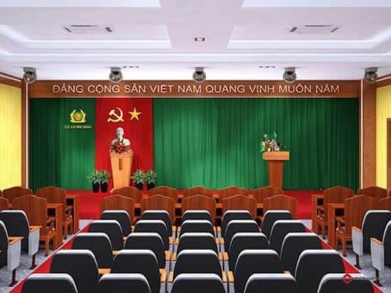 Bục được bố trí bên phải sân khấu