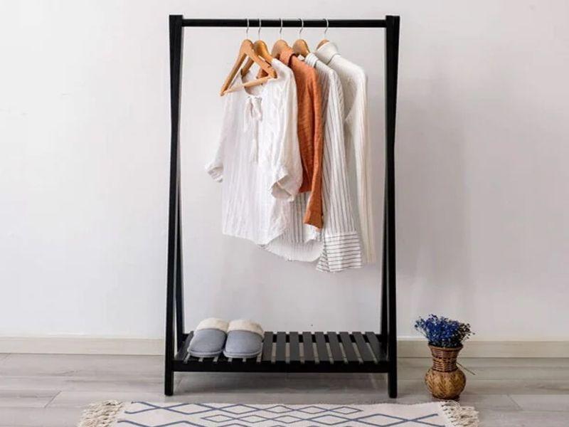 Giá móc treo quần áo có nhiều mẫu mã đa dạng để bạn có thể lựa chọn