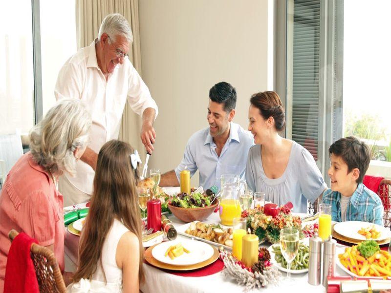 Người già và trẻ nhỏ luôn mang lại lợi nhuận cao cho các nhà hàng