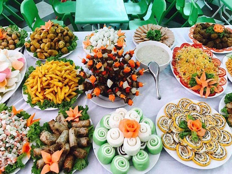 Lưu ý cách trang trí màu sắc khi bày tiệc buffet