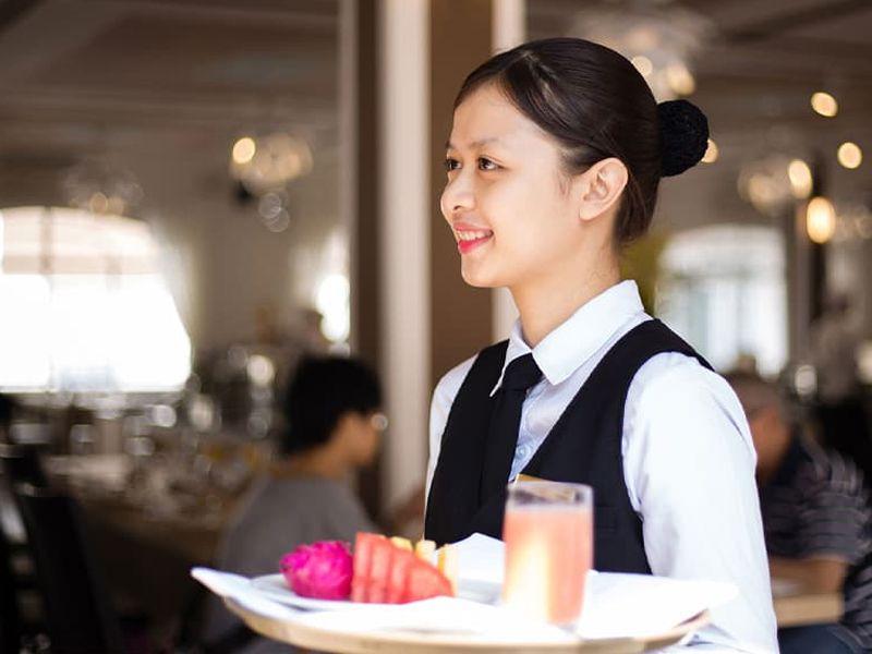 Thức uống sẽ do nhân viên order và tự phục vụ
