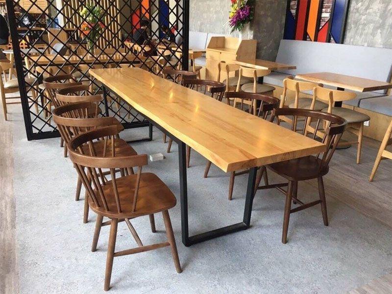 Không cần thiết mua bàn ghế cafe giá quá cao