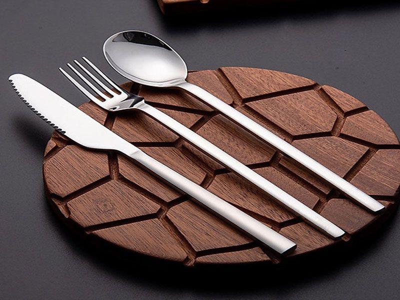 Giá thành bộ dao muỗng nĩa cao cấp luôn cao hơn những sản phẩm khác