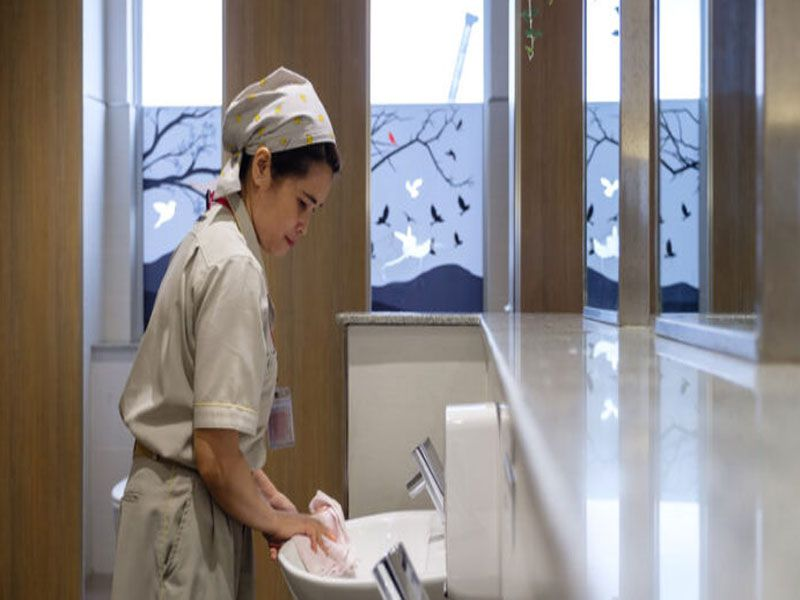Quy trình dọn vệ sinh nhà vệ sinh công cộng