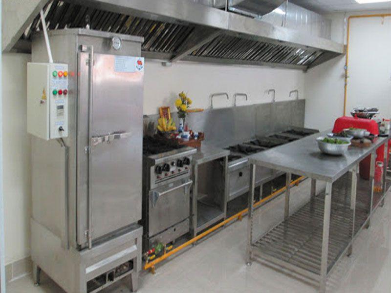 Bàn 2 tầng được ứng dụng ở hầu hết tất cả các khu bếp dành cho nhà hàng, khách sạn, quán ăn, khu tập thể,….