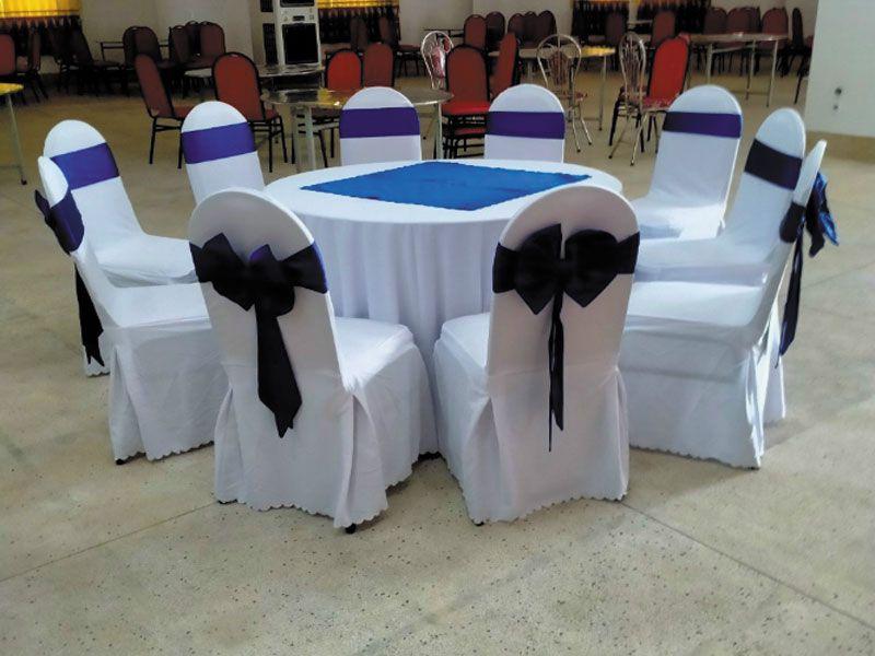 Tùy theo mục đích sử dụng buổi tiệc mà bạn có thể lựa chọn những màu khăn trải bàn thích hợp