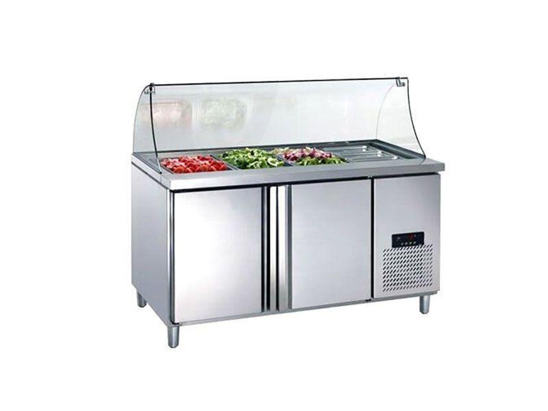 Sử dụng tủ hâm nóng thức ăn giúp đảm bảo thức ăn luôn giữ được nhiệt độ tốt nhất trước khi phục vụ khách hàng