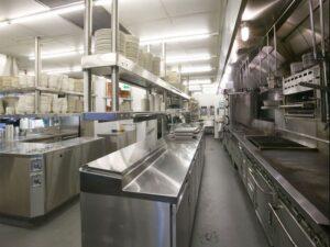 Những thiết bị bếp inox công nghiệp bắt buộc phải có tại nhà hàng, khách sạn