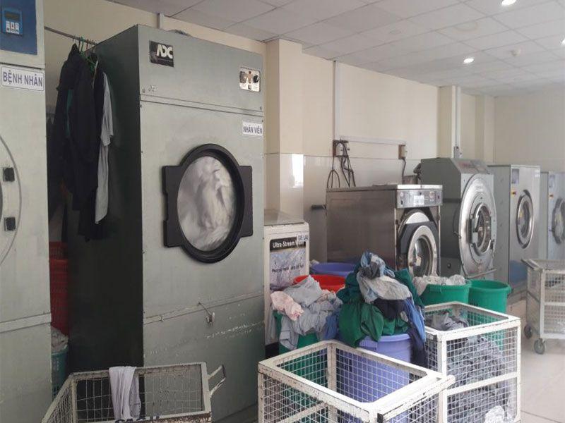 Hạn chế được chi phí thuê nhân công vệ sinh cho khách sạn