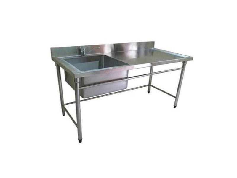 Sản phẩm được làm hoàn toàn từ inox 304 nên luôn đảm bảo được độ bền trong quá trình sử dụng