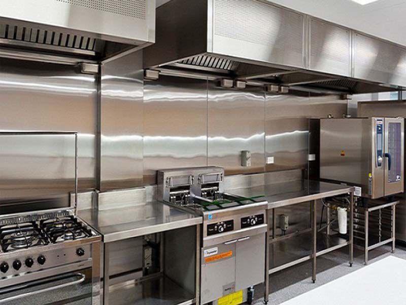 Bàn bếp công nghiệp – Là thiết bị quan trọng cho không gian bếp
