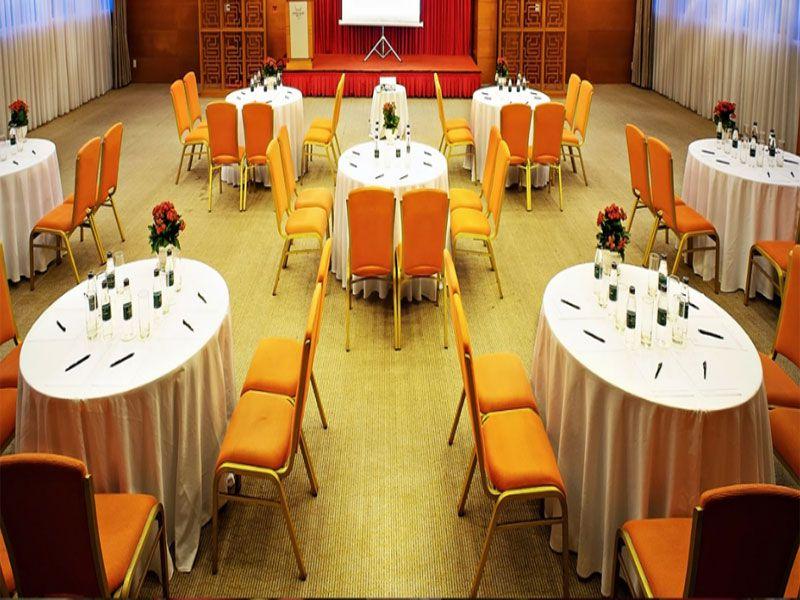 Ưu điểm của bàn ghế nhà hàng tiệc cưới