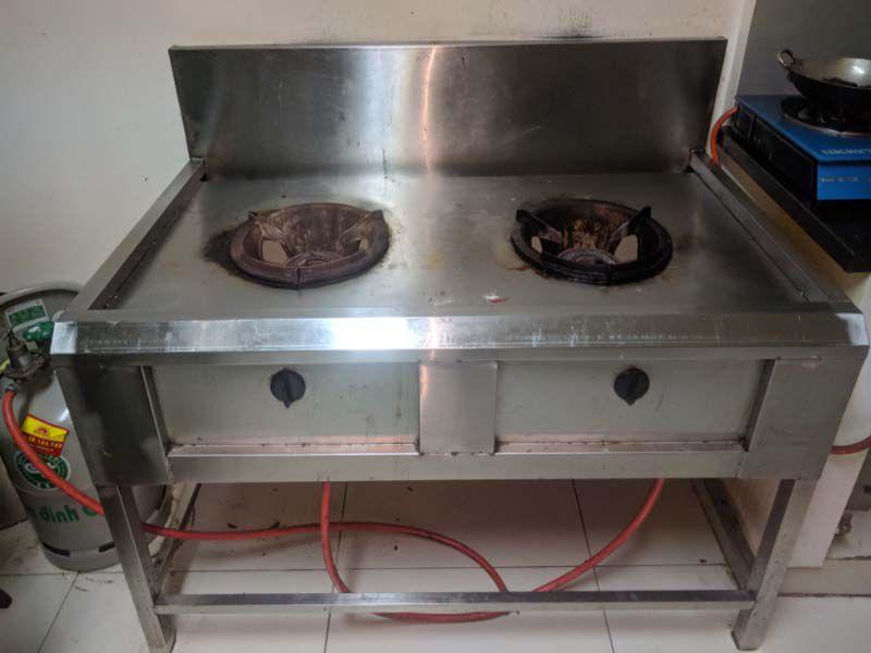 Bếp Á công nghiệp là thiết bị bếp quan trọng trong không gian bếp nhà hàng khách sạn