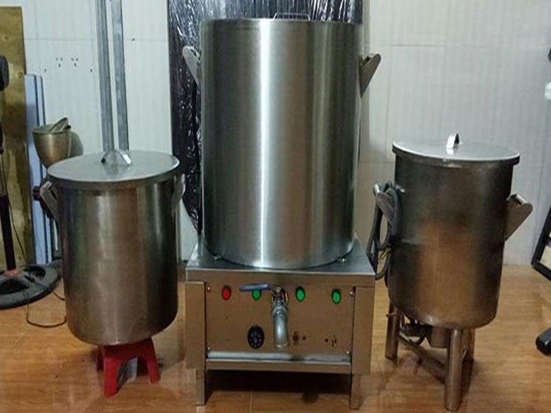 Sử dụng nồi nấu phở điện tiết kiệm diện tích không gian bếp
