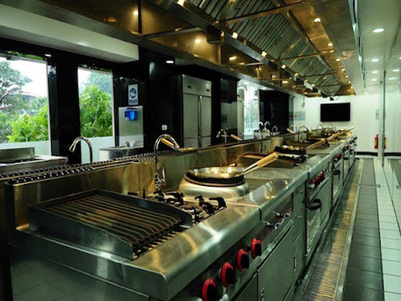 Tiêu chí đánh giá một bếp nhà hàng chuyên nghiệp là gì?