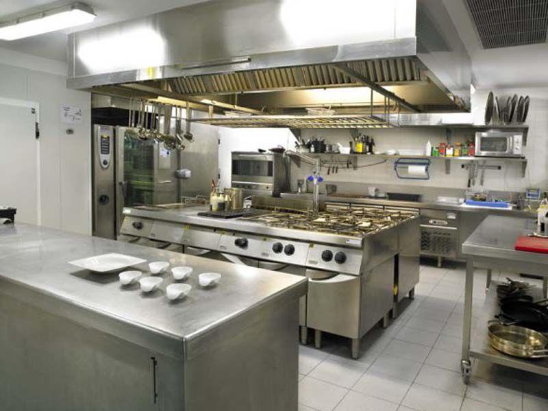Bếp công nghiệp nhà hàng, khách sạn có khả năng chịu lực, chịu nước, chịu nhiệt cao