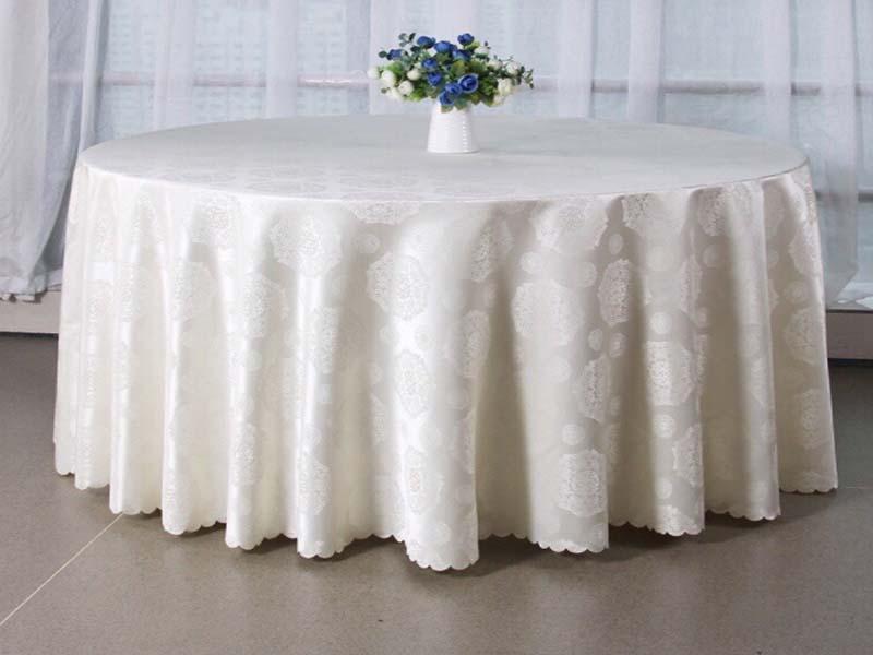 Khăn trải bàn nhà hàng sự lựa chọn không thể thiếu cho không gian tiệc cưới