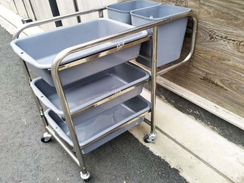 Hình ảnh xe đẩy dọn bàn đã qua sử dụng đang được bày bán nở rộ